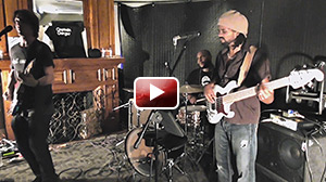 """Captain Danger - """"Cold Sweat""""/interlude/""""Born On The Bayou"""" (live) - André Berry on bass"""