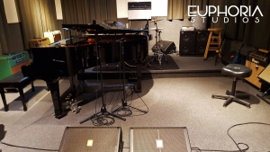 Wayne Jones AUDIO bass guitar rigs @ Euphoria Studios